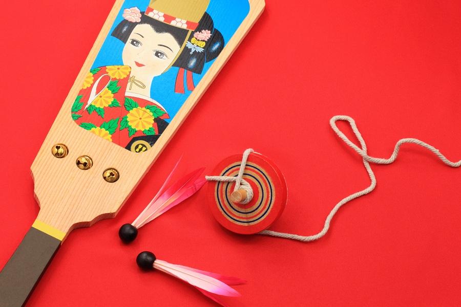 Menikmati permainan dan kegiatan tradisional